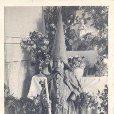 Fotografía antigua: SEMANA SANTA DE SEVILLA, PRECIOSA POSTAL DE UN NAZARENITO, ANTIQUISIMA. Lote 44340075