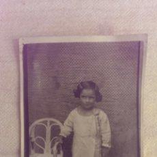 Fotografía antigua: FOTO POSTAL DE NIÑA , PRINCIPIOS 1900. Lote 44812203