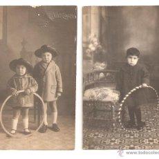 Fotografía antigua: VALENCIA FOTO POSTAL NIÑOS HULA HOOP E. VIZCAINO GRAO VALENCIA LOTE DE 2 FOTOS. Lote 45677185