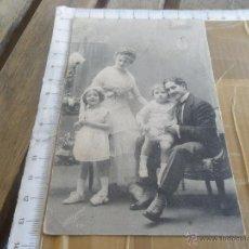 Fotografía antigua: FOTO TARJETA POSTAL PRINCIPIOS SIGLO XX FAMILIA . Lote 47935169