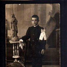 Fotografía antigua: FOTOGRAFÍA ANTIGUA. NIÑO PRIMERA COMUNIÓN. FOTÓGRAFA AMERICANA. BARCELONA. Lote 49862764