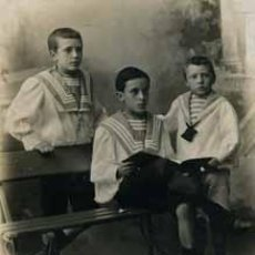 Fotografía antigua: TRES HERMANOS. FOTOGRAFÍA MARINÉ. C. 1915. Lote 50429805