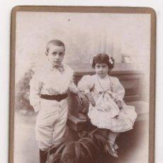 Fotografía antigua: POSTAL FOTOGRÁFICA DE NIÑO Y NIÑA / E. PUIG FOTÓGRAFO / REUS / AÑOS 10 / CON SOPORTE EN CARTÓN. Lote 50769518