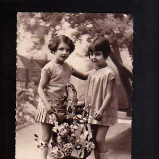 Fotografía antigua: POSTAL FOTOGRÁFICA NIÑAS. CIRCULADA . Lote 51200966