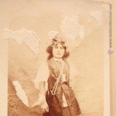 Fotografía antigua: ANTIGUA FOTOGRAFIA, NIÑA, CON ALGUNA FALTA, TARJETA POSTAL, S.XIX. Lote 52492255