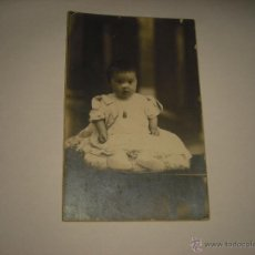 Fotografía antigua: ANTIGUA FOTO DE BEBE CON SINDROME DE DOWN . FOTOGRAFO BUSQUETS. Lote 52784432