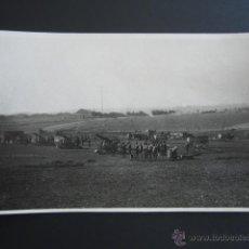 Fotografía antigua: POSTAL FOTOGRÁFICA BADAJOZ, MÉRIDA. MANIOBRAS DE ARTILLERÍA 2º REGIMIENTO PESADO, 4ª BATERÍA. . Lote 54635670