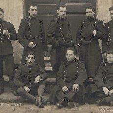 Fotografía antigua: FOTO GRUPO MILITAR. FOTÓGRAFO:JOSE DE OLALDE. BARCELONA. CA.1920. Lote 55146935