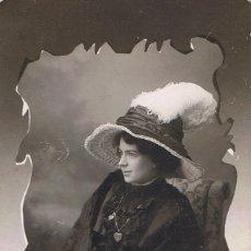 Fotografía antigua: FOTO SEÑORITA BURGUESA. DIRIGIDA A MME.MELANIE HARTMANN.CA.1910. FOTÓGRAFO: E.PUIG.BARCELONA. Lote 55335891