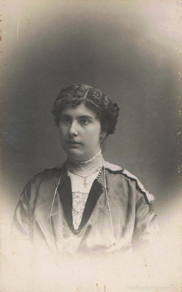FOTO RETRATO DE LOLA CAMPRECIÓS COMPANY, A LOS 19 AÑOS, DE HOSPITALET. CA.1915.FOTOG:BARÓ. BARCELONA (Fotografía Antigua - Tarjeta Postal)