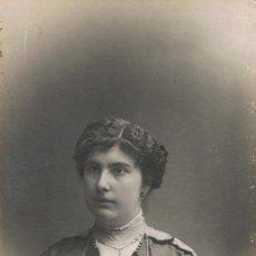 Fotografía antigua: FOTO RETRATO DE LOLA CAMPRECIÓS COMPANY, A LOS 19 AÑOS, DE HOSPITALET. CA.1915.FOTOG:BARÓ. BARCELONA. Lote 56656713