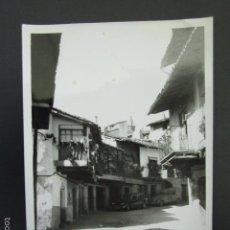 Fotografía antigua: FOTOGRAFÍA CÁCERES. GUADALUPE. AÑO 1968. 9,8 X 6,8 CM. Lote 56933847