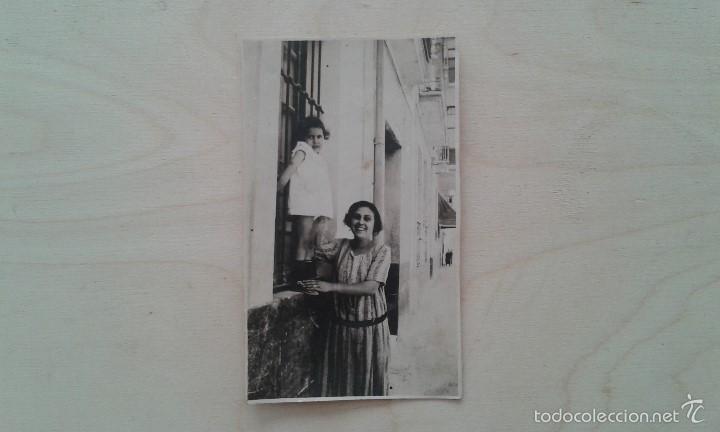 1 MUJER + 1 NIÑA -- PRINCIPIOS SIGLO XX -- ESPAÑA -- 10 X 6,3 -- (Fotografía Antigua - Tarjeta Postal)