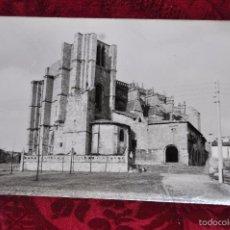 Fotografía antigua: ANTIGUA FOTOGRAFIA DE CASTRO URDIALES (CANTABRIA). AÑOS 50. IGLESIA DE SANTA MARIA. Lote 57379350