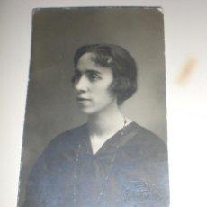 Fotografía antigua: ANTIGUA TARJETA POSTAL FOTO MUJER - ESTUDIO F. OLTRA HUESCA 1920. Lote 57590402