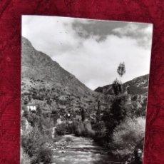 Fotografía antigua: ANTIGUA FOTOGRAFIA DE ANDORRA. AÑOS 50. PAISAJE RURAL,VISTA DE UN RIO. Lote 57762712