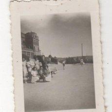 Fotografía antigua: ANTIGUA FOTOGRAFIA FOTO AMIGAS AÑOS 60 FOTO BELEZA GUIMARAES. Lote 60081903