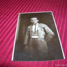 Fotografía antigua: BELLA FOTOGRAFIA DE TORERO,ESCRITA .RONDA AÑO 1927. Lote 60183687