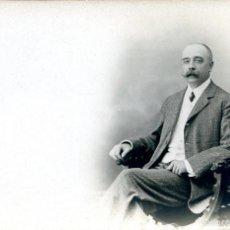 Fotografía antigua: 1 FOTO-TARJETA POSTAL DE SEÑOR CON BIGOTE. HACIA 1910. Lote 60678099
