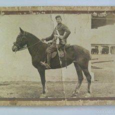 Fotografía antigua: FOTO DE MILITAR ARTILLERIA MONTADA , A CABALLO. DE VIDAL, CALATAYUD. Lote 61300119