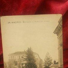 Fotografía antigua: POSTAL ANTIGUA - ENTRADA AL MUSEO DEL PRADO - MADRID. Lote 61395635