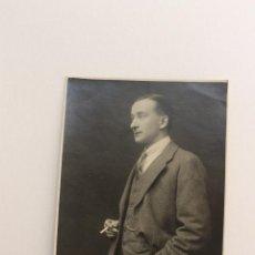 Fotografía antigua: FOTOGRAFIA CABALLERO FUMANDO, SIN FOTOGRAFO, AÑOS 20. Lote 62511960
