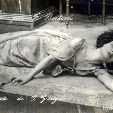 Fotografía antigua: POSTAL DE FRANCESCA BERTINI, ACTRIZ DE CINE MUDO, REPRESENTANDO FEODORA. TEATRO. OPERA.. Lote 63694179