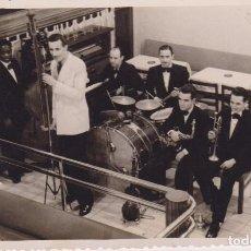 Fotografía antigua: FOTO ORQUESTA 07 ENERO 1942. SELLO FOTO ELECTRICA. ZARAGOZA. Lote 67890417