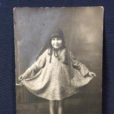 Fotografía antigua: NIÑA SIMPATICA ASTURIANA FOT GARCIA OVIEDO 1930. Lote 67947353