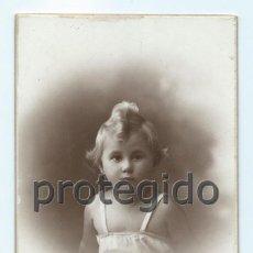 Fotografía antigua: NIÑA. FOTÓGRAFO DARBLADE. TORREVIEJA, ALICANTE.. Lote 72402763