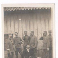 Fotografía antigua: MILITARES, MELILLA FEBRERO 1915, VER REVERSO CON TEXTO. Lote 76177691