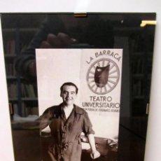 Fotografía antigua: FEDERICO GARCÍA LORCA 1932 FOTO POSTAL ORIGINAL ENMARCADA 18X24 CMS VEGAP 98. Lote 78040729