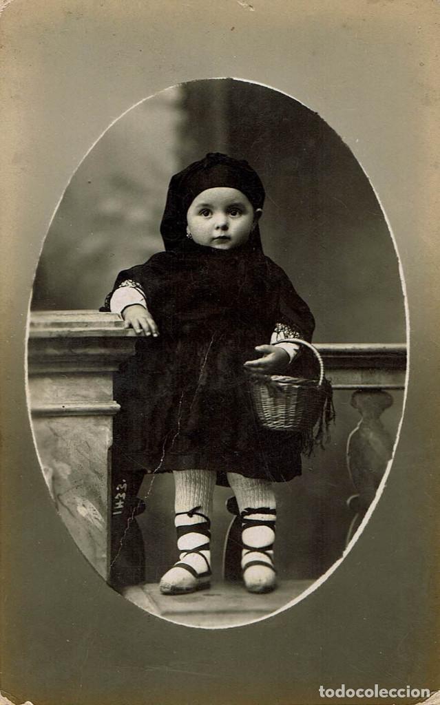FTO.RETRATO DE NIÑA VESTIDA DE TRAJE REGIONAL DE ARAGON. CA. 1915. FOT.: SERRA MARTÍ. BARCELONA. (Fotografía Antigua - Tarjeta Postal)