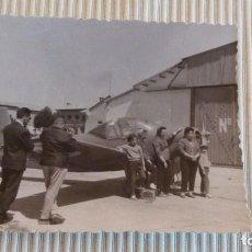 Fotografía antigua: FOTO AÑOS 50/60 - FOTOGRAFIA AVIONETA. Lote 83424204