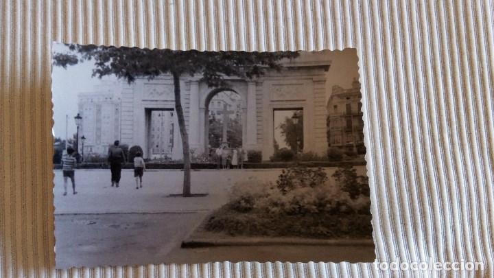 FOTOGRAFIA ANTIGUA VALENCIA - FOTO PUERTA DEL MAR AÑO 1957 (Fotografía Antigua - Tarjeta Postal)