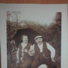 Fotografía antigua: MAR 8 FOTOGRAFIA DE PAREJA - FISONOMIA CAUCÁSICA TARJETA POSTAL SOBRE 138 X 90 MILIMETROS. Lote 86301600