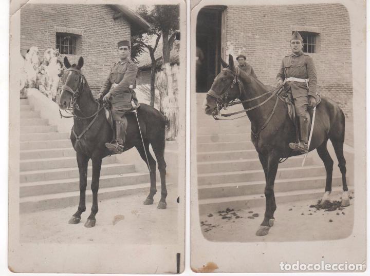 2 ANTIGUAS FOTOGRAFÍAS DE MILITAR A CABALLO . ¿ AÑOS 40 ? . NO CIRCULADAS (Fotografía Antigua - Tarjeta Postal)