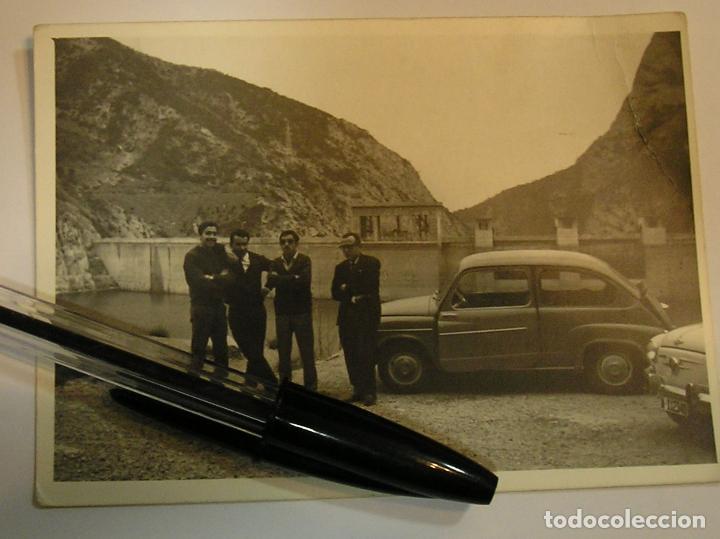 1 ANTIGUA FOTO FOTOGRAFIA COCHE SEAT 600 AÑOS 70 (17) (Fotografía Antigua - Tarjeta Postal)