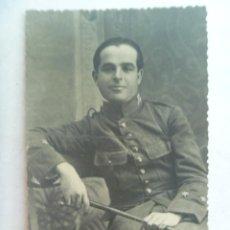 Fotografía antigua: RETRATO DEL GENERAL VARELA CUANDO ERA UN JOVEN TENIENTE DE REGULARES. COPIA DE GARCIA CORTES, 1947. Lote 94578803
