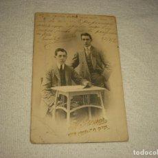 Fotografía antigua: ANTIGUA FOTO DE DOS CABALLEROS . FOTOGRAFO F. AMER . DEDICADA Y FIRMADA 1908. Lote 97562583