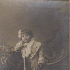 Fotografía antigua: ANTIGUA TARGETA POSTAL DE UNA NIÑA - FOTOGRAFIA DE BAÑOS BARCELONA . Lote 97623995