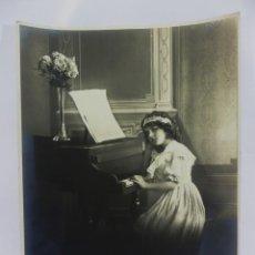 Fotografía antigua: PRECIOSA POSTAL EN GRAN FORMATO DE EDITORIAN AMAG AÑOS 1910 MEDIDAS 30X24 CM PRECIOSAS. Lote 97912287
