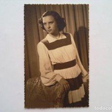 Fotografía antigua: FOTOGRAFIA, MUJER JOVEN POSANDO, FOTO ESTUDIO ALCOY 1945. Lote 98412175