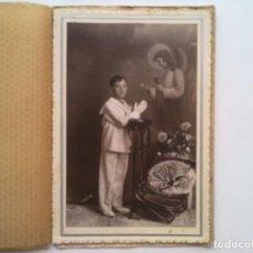 Fotografía antigua: FOTOGRAFIA ESTUDIO, NIÑO POSANDO PRIMERA COMUNION, FOTO MODERN ESTIL, ALCOY, CARTON DURO. Lote 98438563