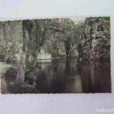 Fotografía antigua: FOTO POSTAL MONASTERIO DE PIEDRA ZARAGOZA LAGO DEL ESPEJO Y PEÑA DEL DIABLO. 1955. TDKP12. Lote 98565859