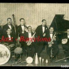 Fotografía antigua: JAZZ - BARCELONA - ORQUESTA JOVENTUT ARTÍSTICA - 1920'S - POSTAL FOTOGRÁFICA . Lote 101762695