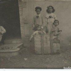 Fotografía antigua: FOTOGRAFIA ANTIGUA NIÑOS - VALLVIDRERA (BARCELONA) - 14X9 CM.. Lote 102486363