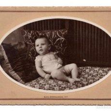Fotografía antigua: FOTOGRAFÍA S.XIX, ESTUDIO FOTOGRÁFICO NIETO. - MADRID BEBE SOBRE COGINES. Lote 103471955