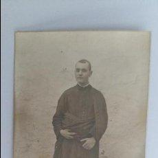 Fotografía antigua: ANTIGUA FOTOGRAFIA DE UN HOMBRE RELIGIOSO. Lote 104079027