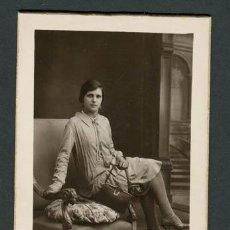 Fotografía antigua: SEÑORITA. BCN. F: ALOGRAFF. C. 1920. Lote 108832815